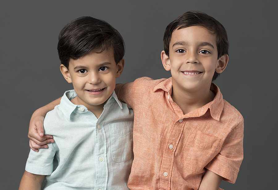 Houston-Rice-Village-Studio-Newborn-Family-Portraits-2.jpg