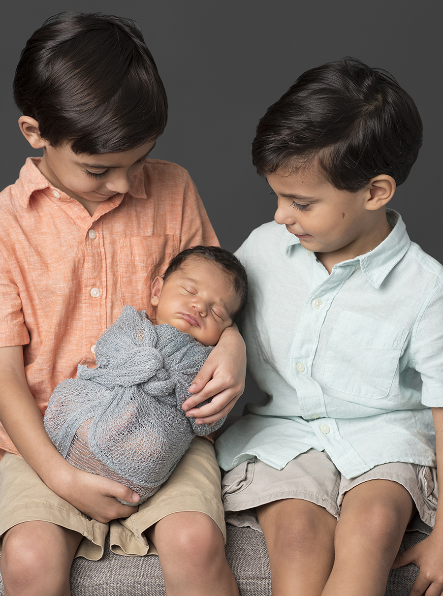 Houston-Rice-Village-Studio-Newborn-Family-Portraits-9.jpg