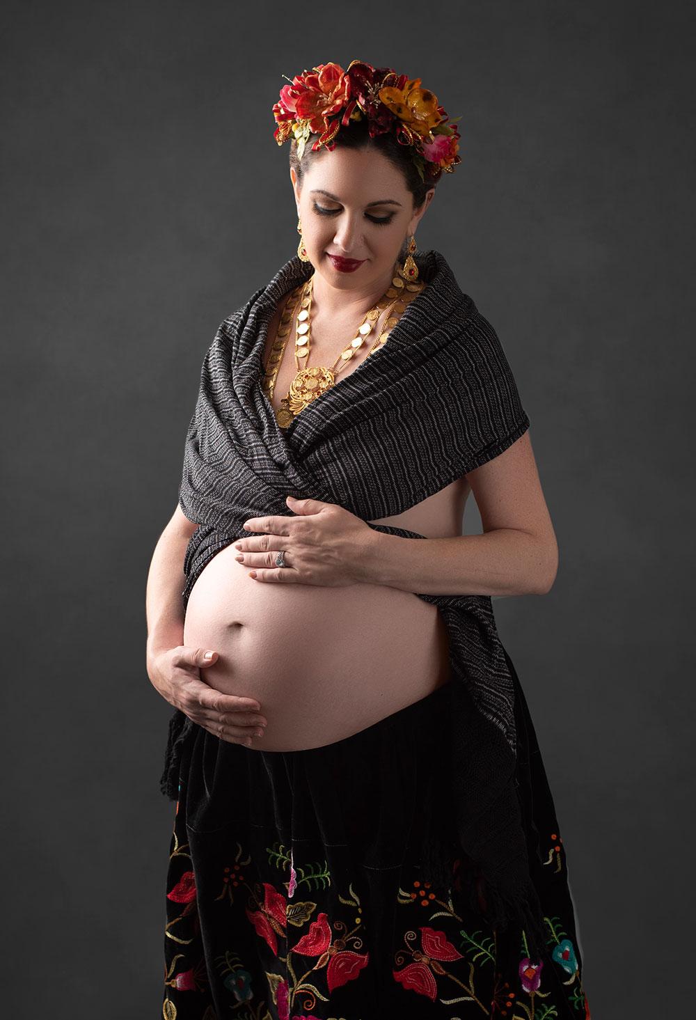Houston-Studio-Maternity-Photos-06.jpg