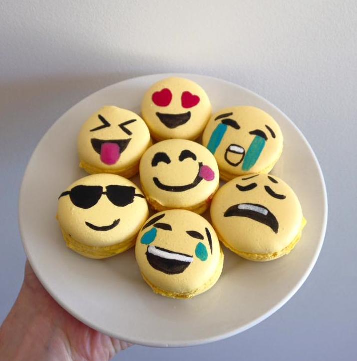 macarons emoji.png