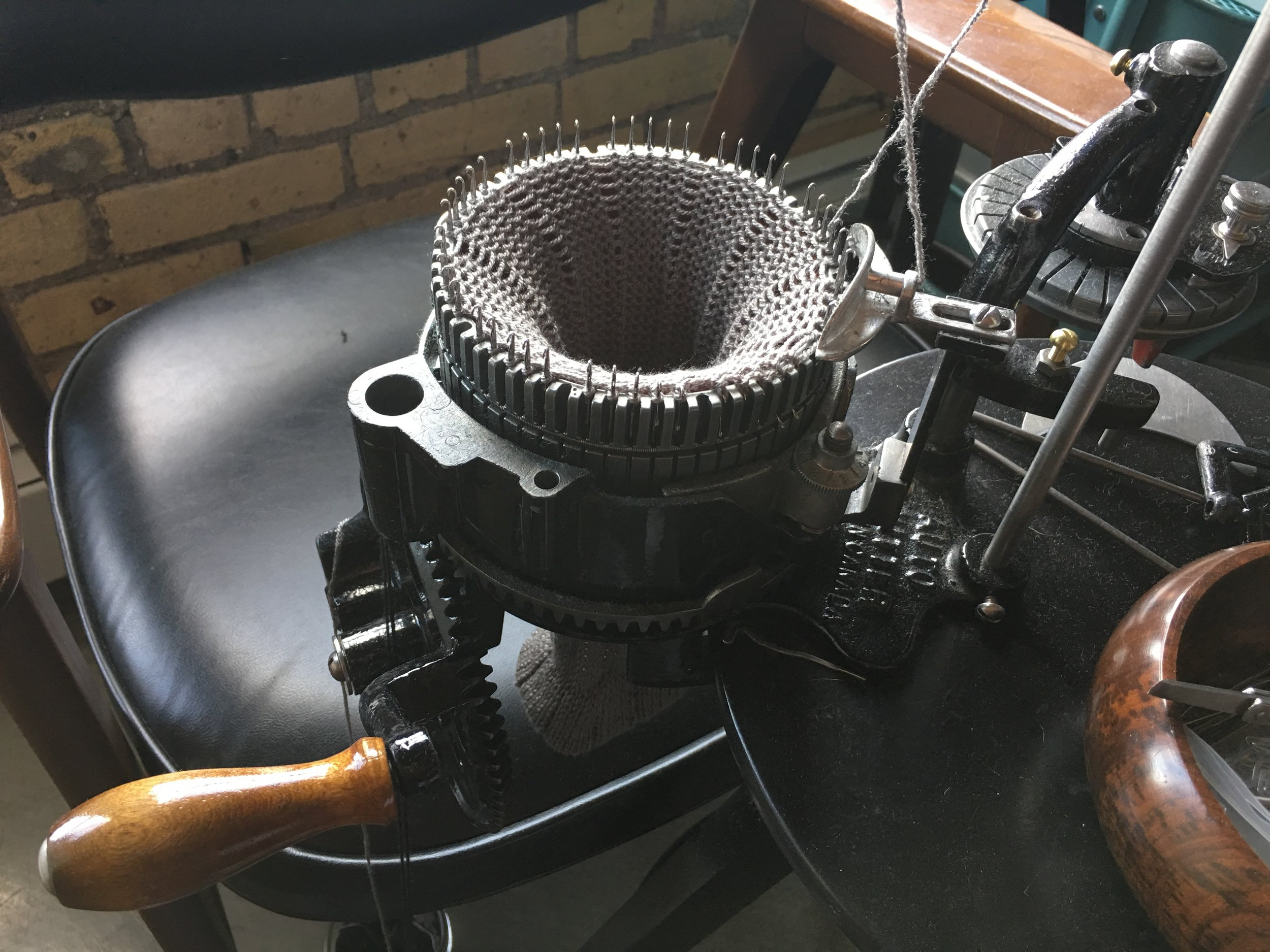 Vintage knitting machines make light work of long jobs. We make dye blanks and rock out long tubes and flat knit sheets for you in no time! Contact us  or try a sample project   here  .