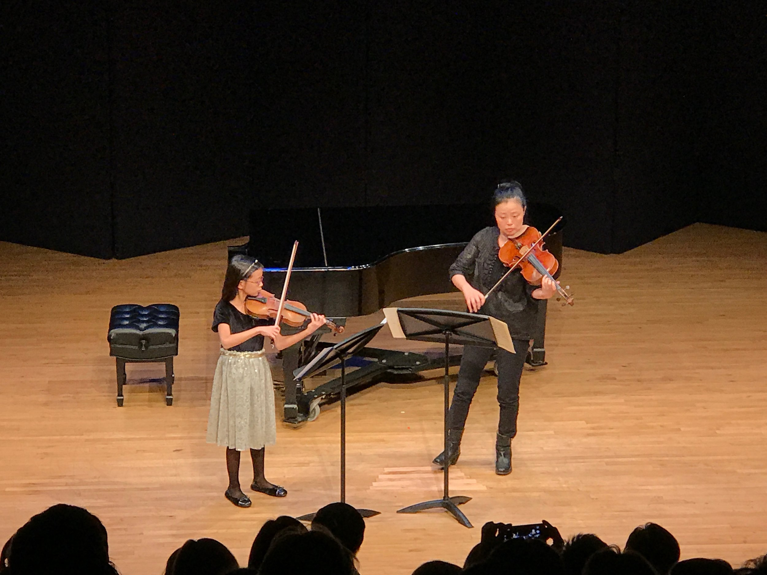 Participant Eugenia Lim and Vega violist Yinzi Kong perform Mozart's Duo in G, K. 423.
