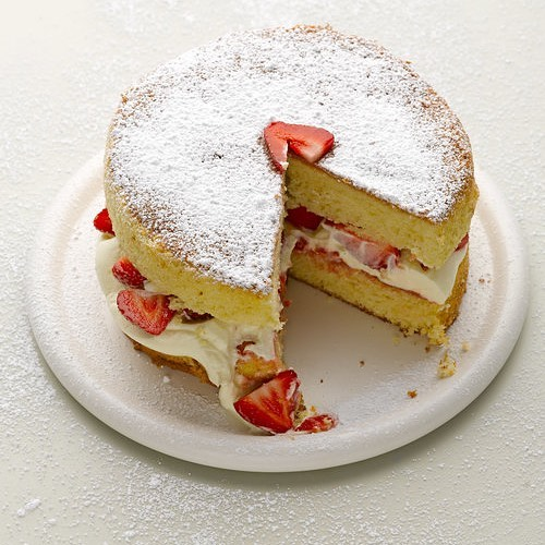 You just can't beat a good #Victoriasponge - ours has fresh and light sponge with lashings of #cream and fresh #strawberries  #caketime #afternoontea #worthit #yum