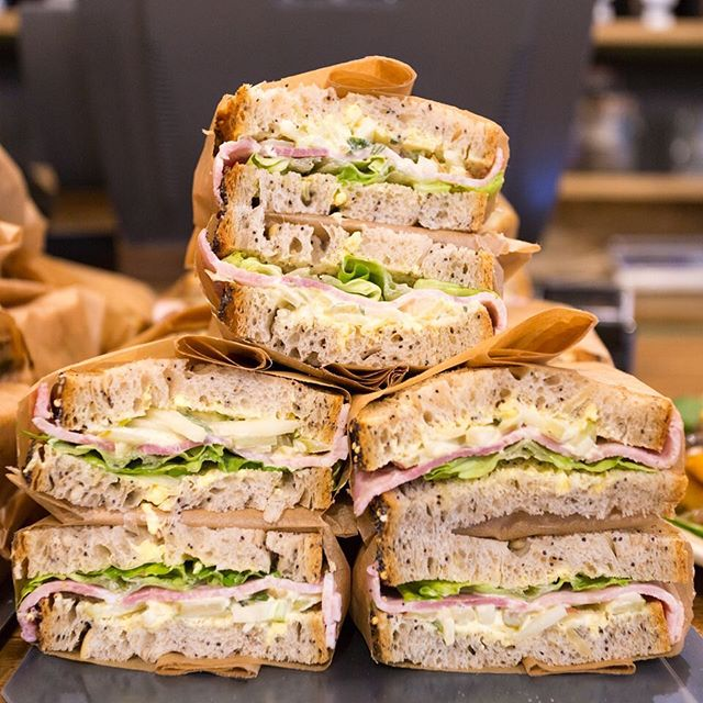 Your #favourite is back! #ham, #celeriac #remoulade and #apple on seeded #bread #sandwich #lunch