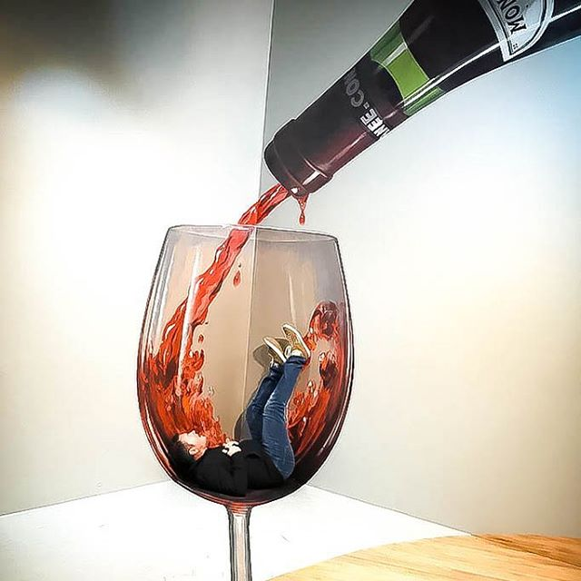 """I could think of worse ways to go"" . . . . . . #artvo #docklands #worsewaystogo #drowninginwine #melbourne #trickart #immersiveart #howiamfeeling"