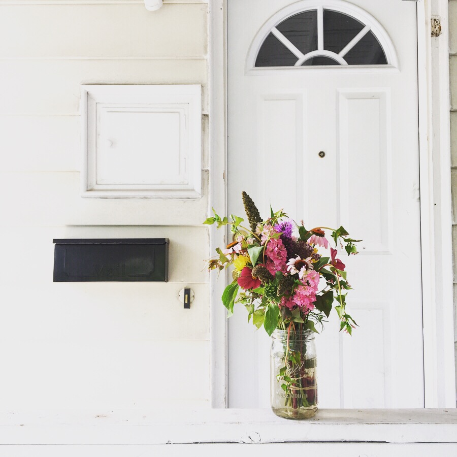 Bouquet Share - July thru September - $150  A mason jar of flowers, delivered Thursday afternoons.  I'll deliver your first bouquet in a quart mason jar, then each week thereafter simply place your clean jar, with water, under a shady part of your porch and I will drop off at some point in the afternoon.