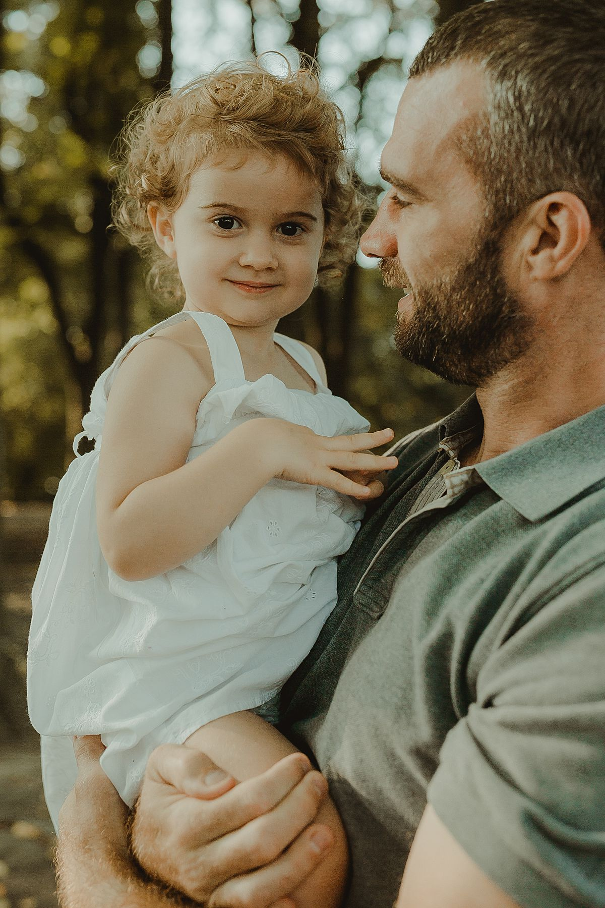 dad and daughter portrait in the park by nyc family photographer krystil mcdowall