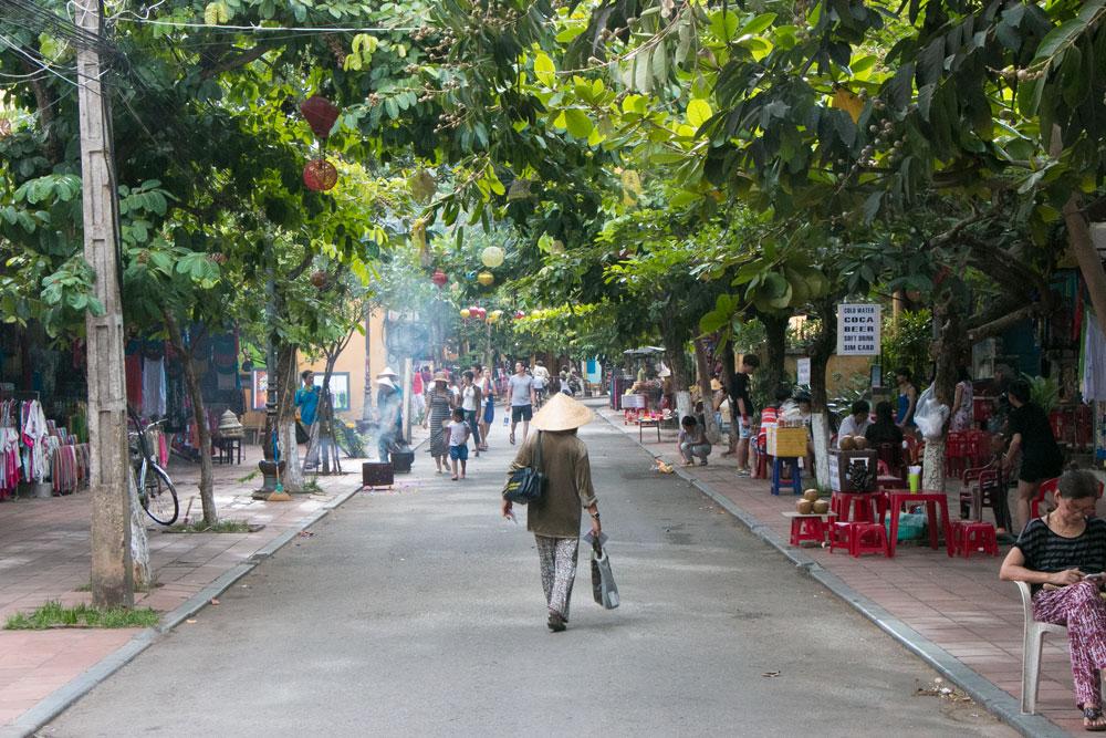 Old-Town-in-Hoi-An-Vietnam.jpg