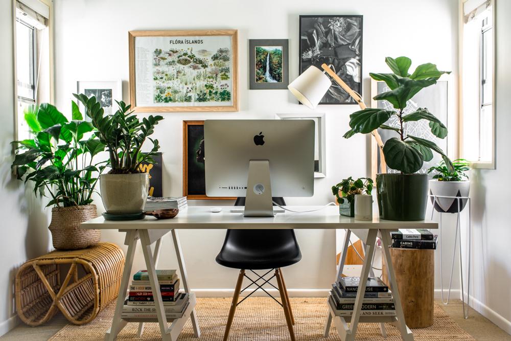 tips-for-creative-entrepreneurs-with-a-side-hustle-1.jpg