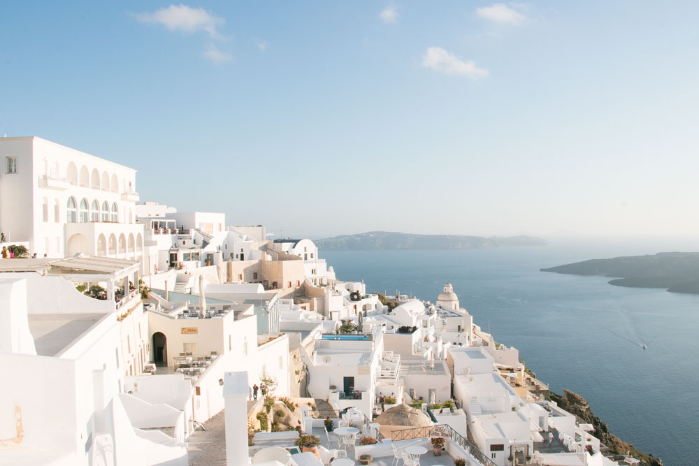 How-to-spend-a-day-in-Santorini_1.jpg