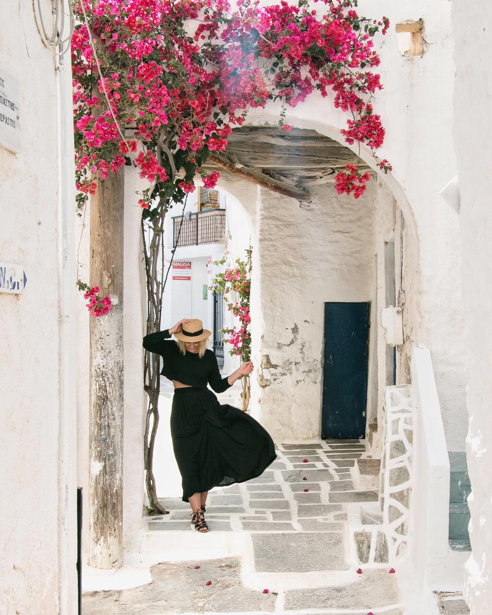how-i-make-money-as-a-travel-blogger.jpg