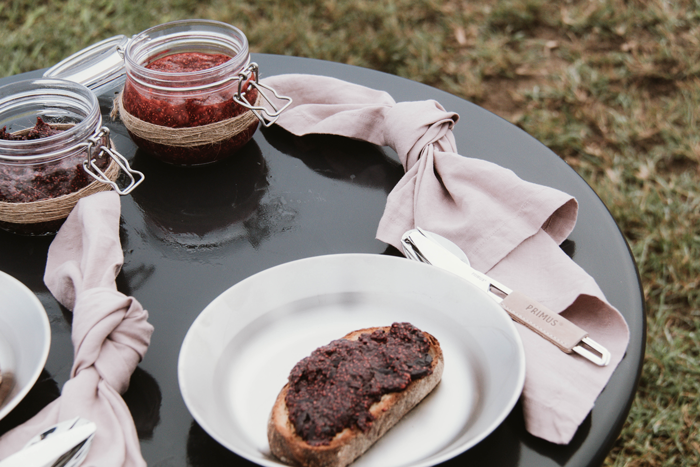 Mister-Weekender_Primus-Outdoor_Easy-Berry-Chia-Jam-Recipe-9.png