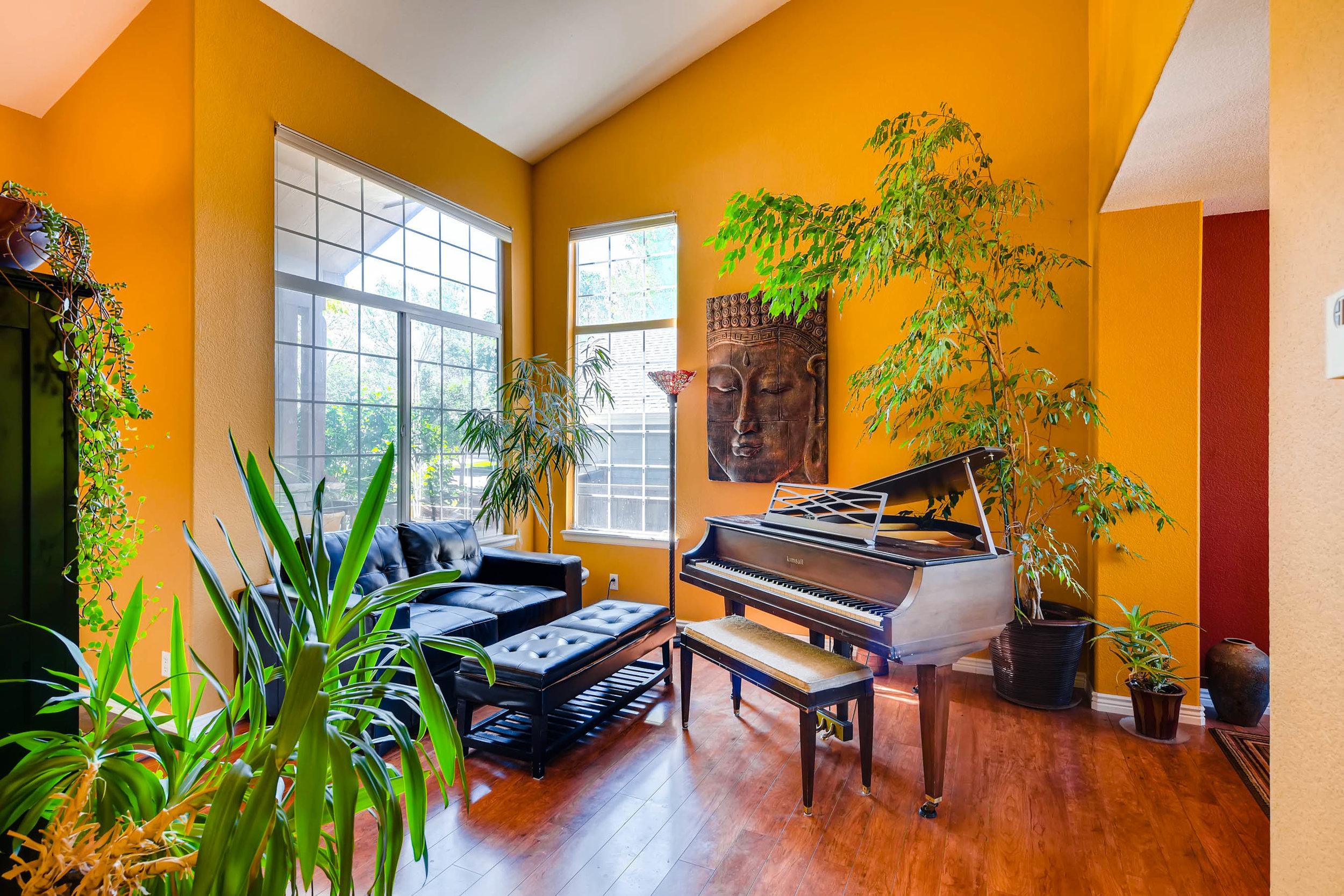 5863 South Gray St Littleton-print-006-10-Living Room-2700x1800-300dpi.jpg