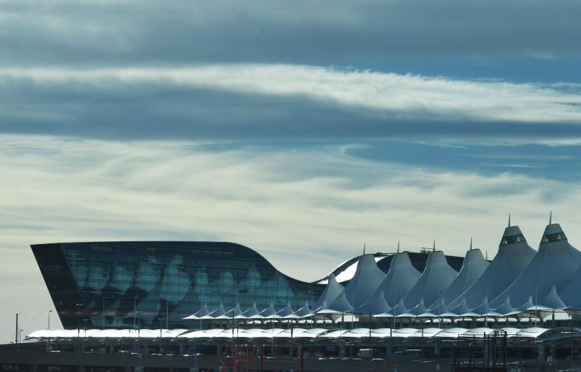Denver_International_Airport_rj_0172.jpg
