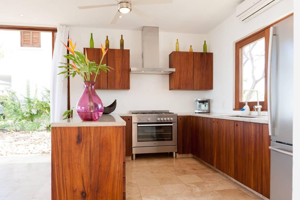 SanFrancisco-kitchen.jpg