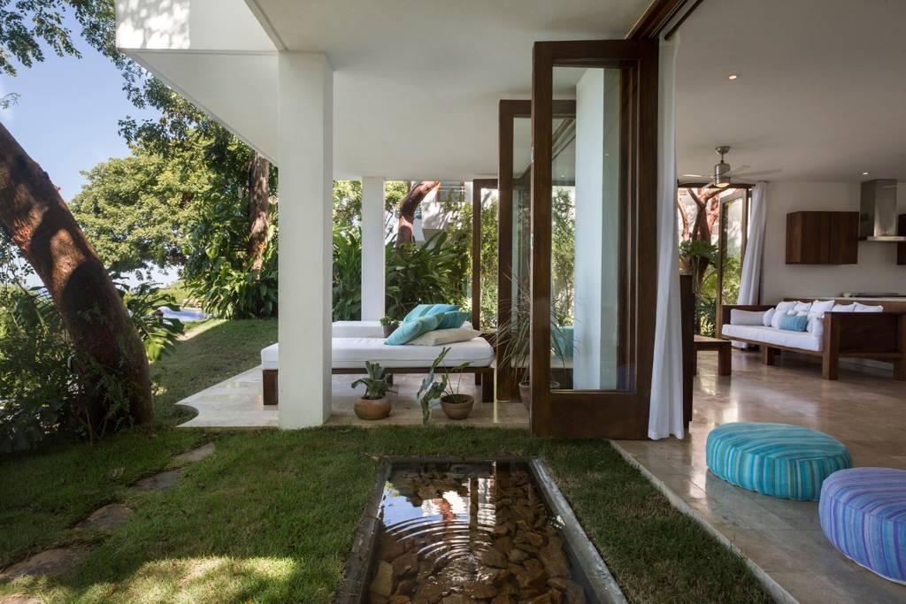 SanFrancisco-living room lounge.jpg