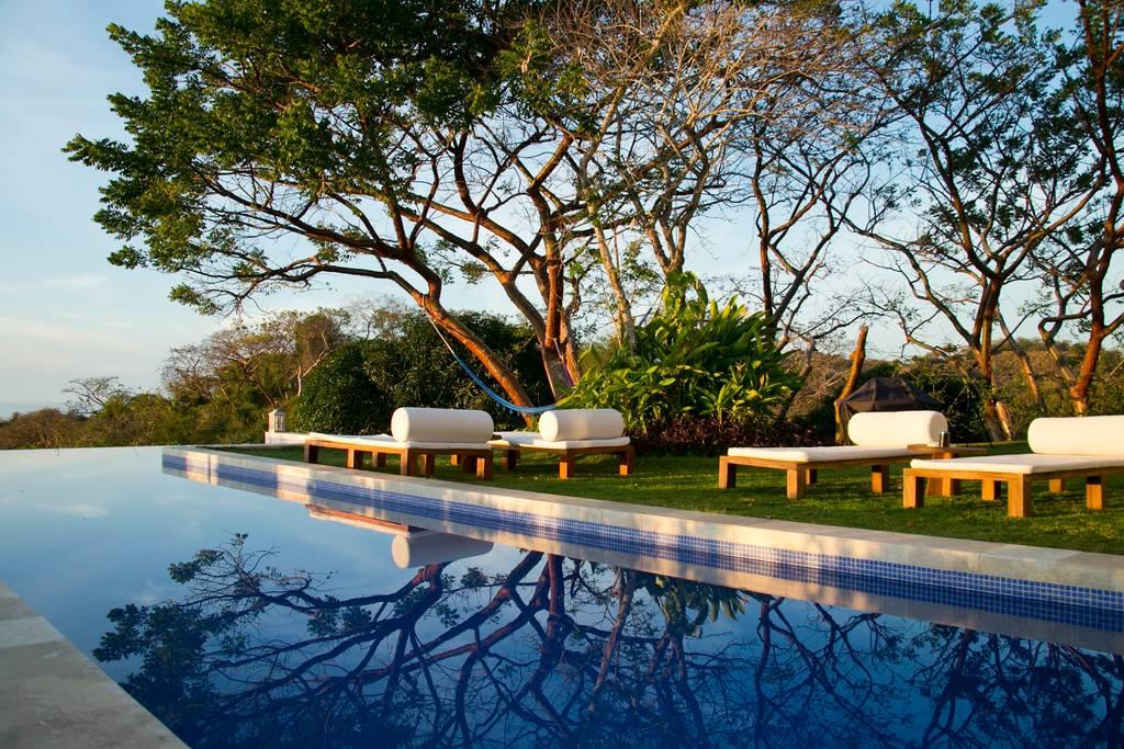 SanFrancisco-pool lounge chairs.jpg
