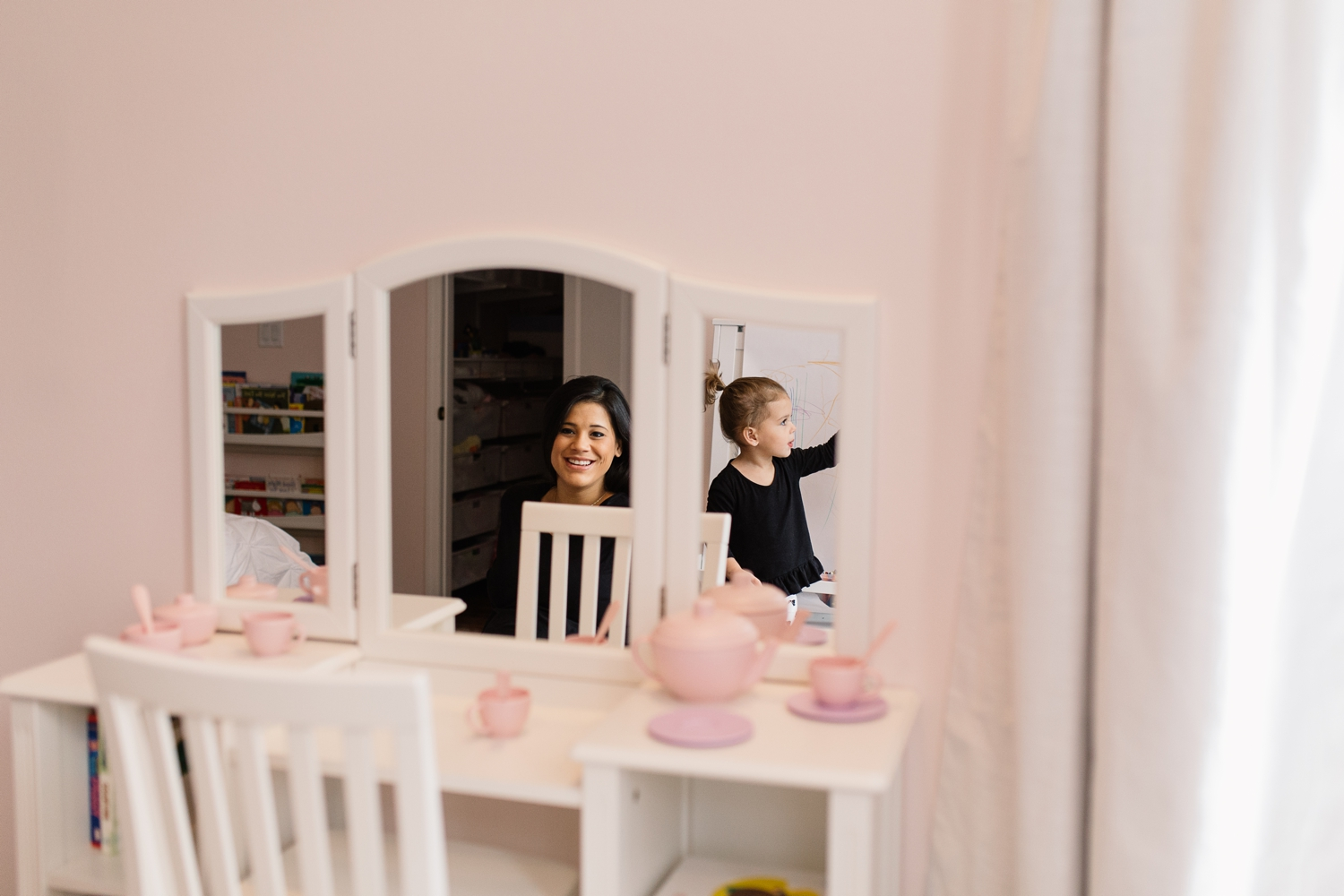 Mom and Daughter Playing in Pink Bedroom Central Florida Photographer.jpg