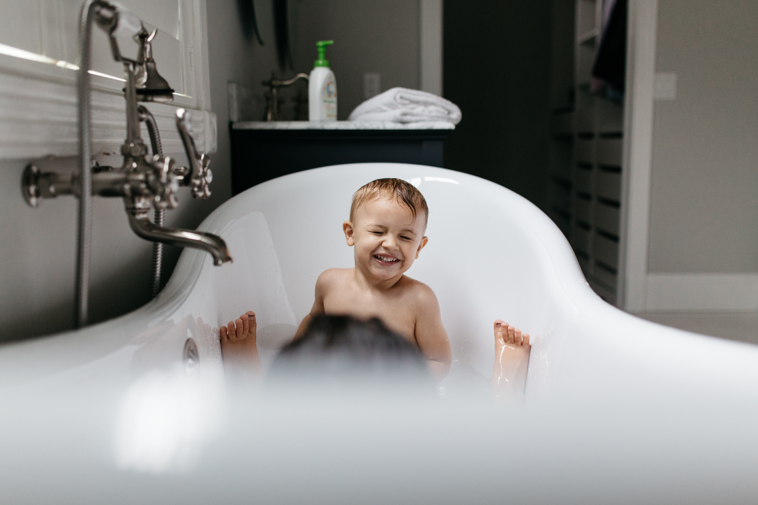 Little Boy in Bathtub Orlando In Home Family Photographer.jpg