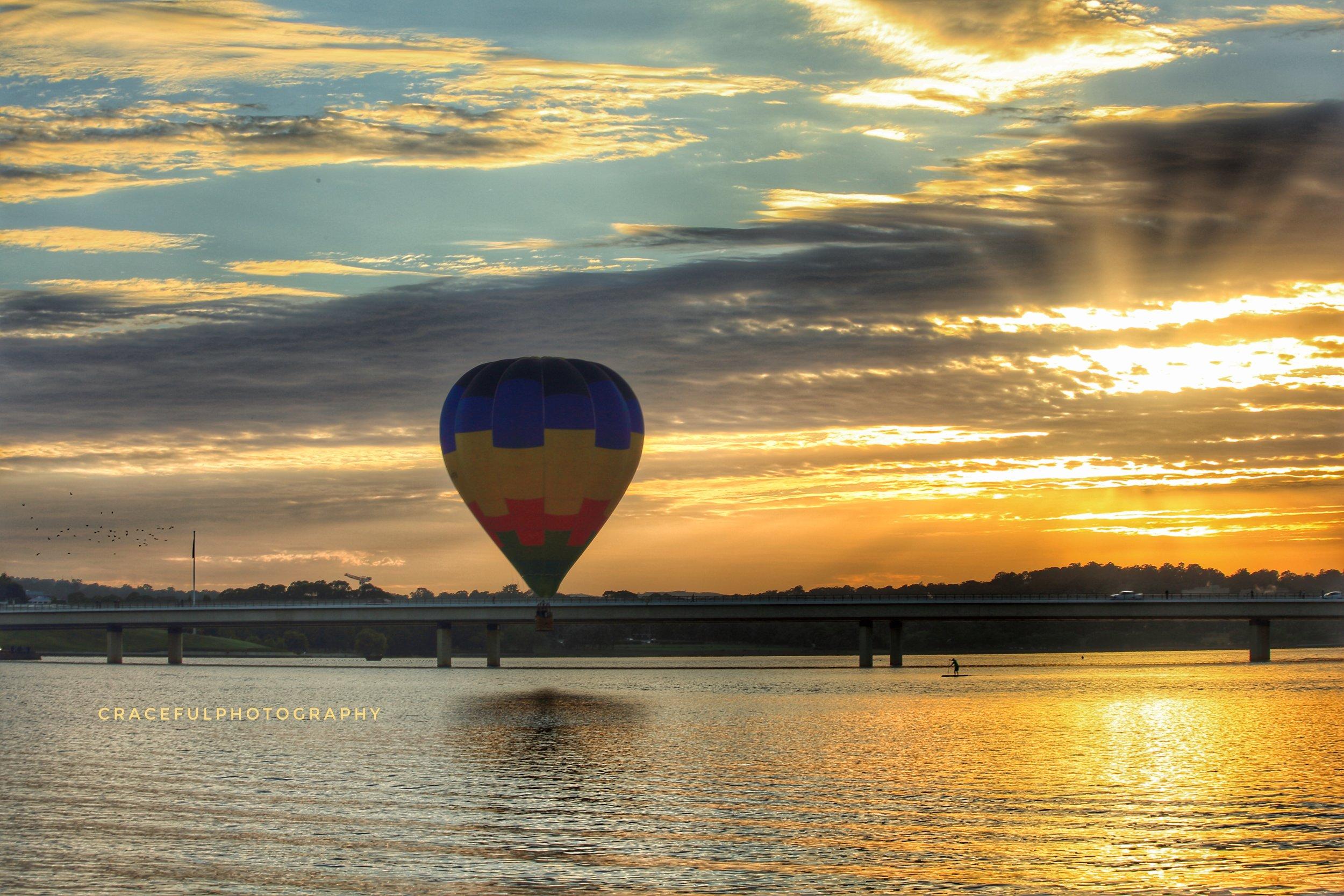 VH-IFV approaching the lake.jpg
