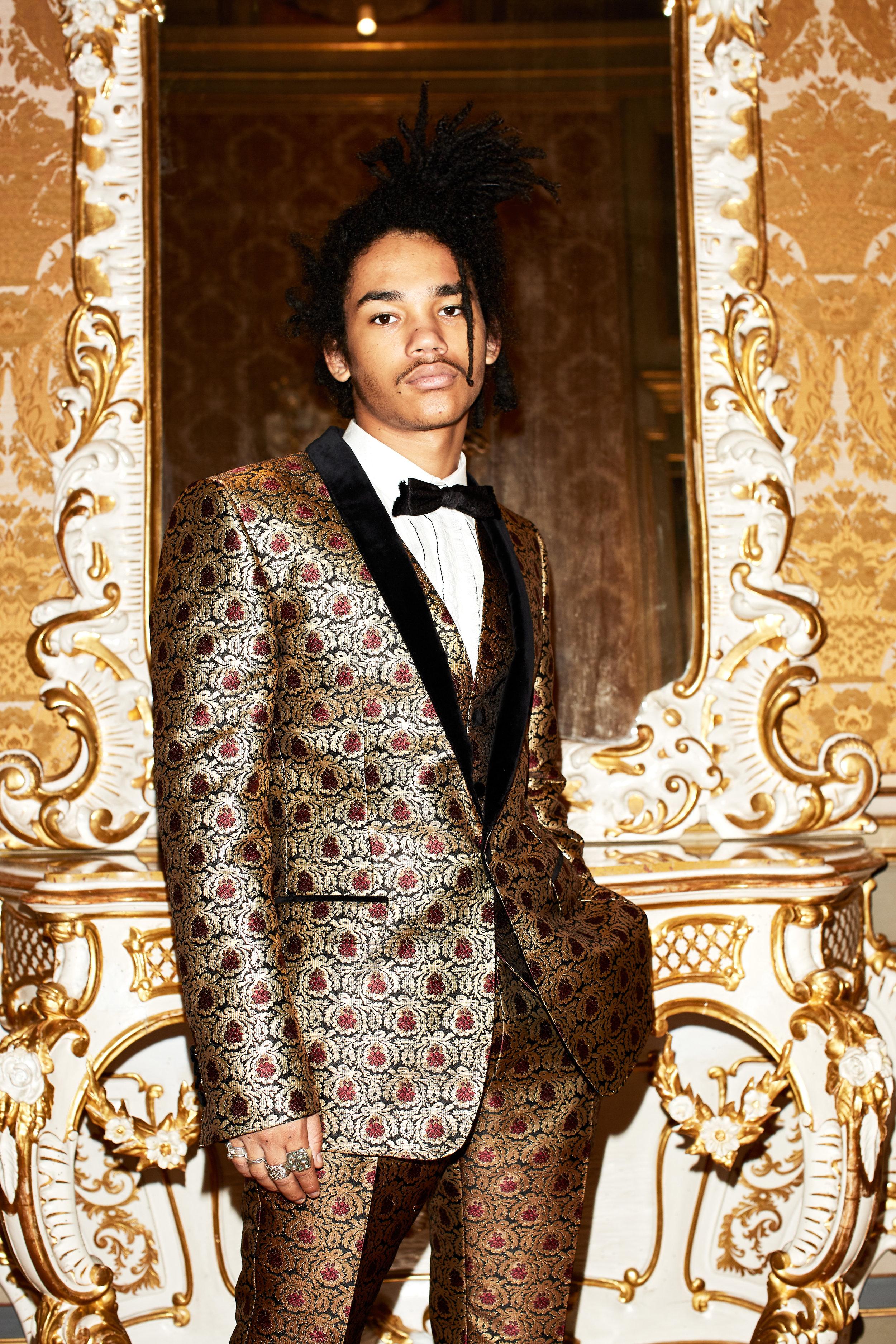 Shot177-Dolce&Gabbana-ManLookBook-FW1718_1851.jpg