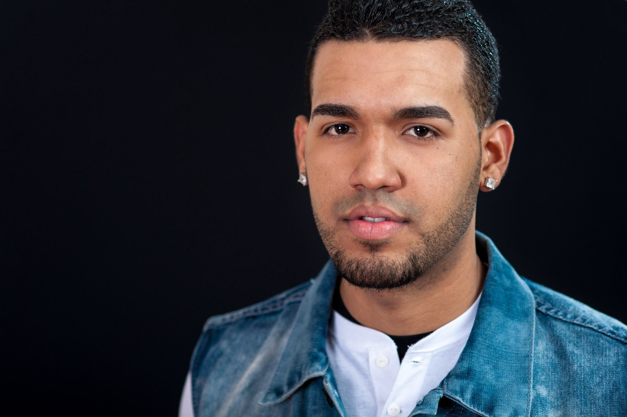 Luis  moved to Boston from Puerto Rico and has continued his success in dance. In addition to Latin dance, he is also a trained Hip-Hop dancer and choreographer. He has performed at a large variety of events including the Olympic Games of 2010 in Mayaguez, Puerto Rico, with artists like Olga Tañon, Wisin y Yandel, Tito el Bambino and Ana Isabel. He has also choreographed and performed in music videos with international artists Jowell y Randy and J-Alvarez.