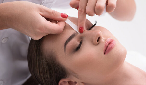 BROW WAX & TINT   Look and feel gorgeous with a brow wax and tint by Shea Levesque at Studio Luxe. Come in to tame your brows and make them more visible, to camouflage grey, or make them appear thicker.  DONOR: Shea Levesque at Studio Luxe VALUE: $33