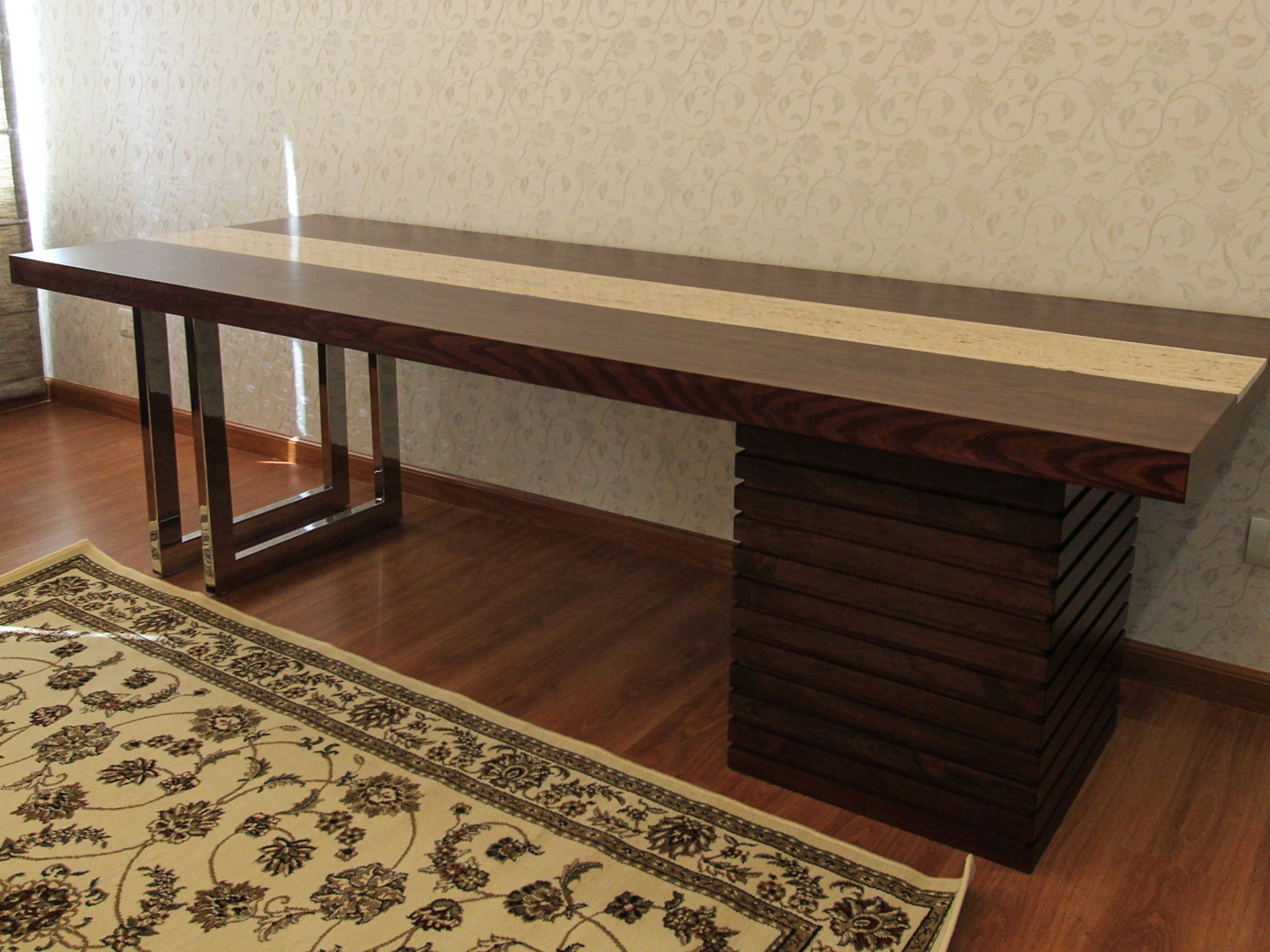 modern-dining-table