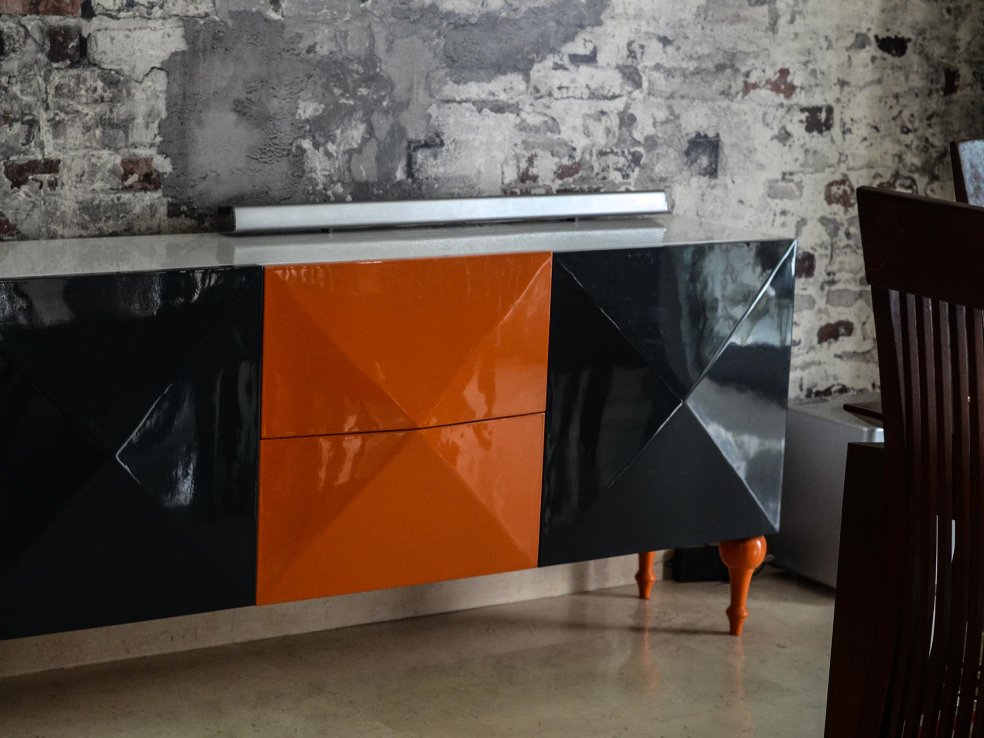 wooden-console-table-high-gloss-orange