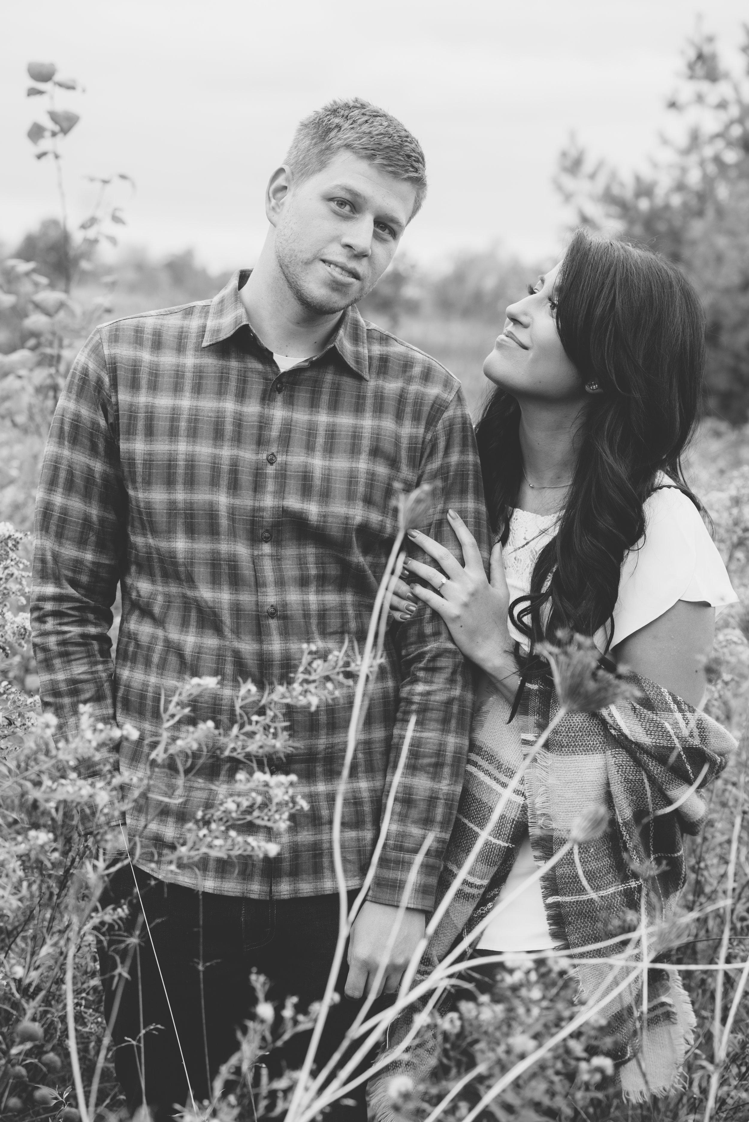 Fall engagement session soundslikeyellowphotography burlington ontario canada