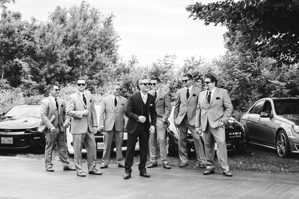 Hamilton Art Gallery Wedding with Soundslikeyellowphotography