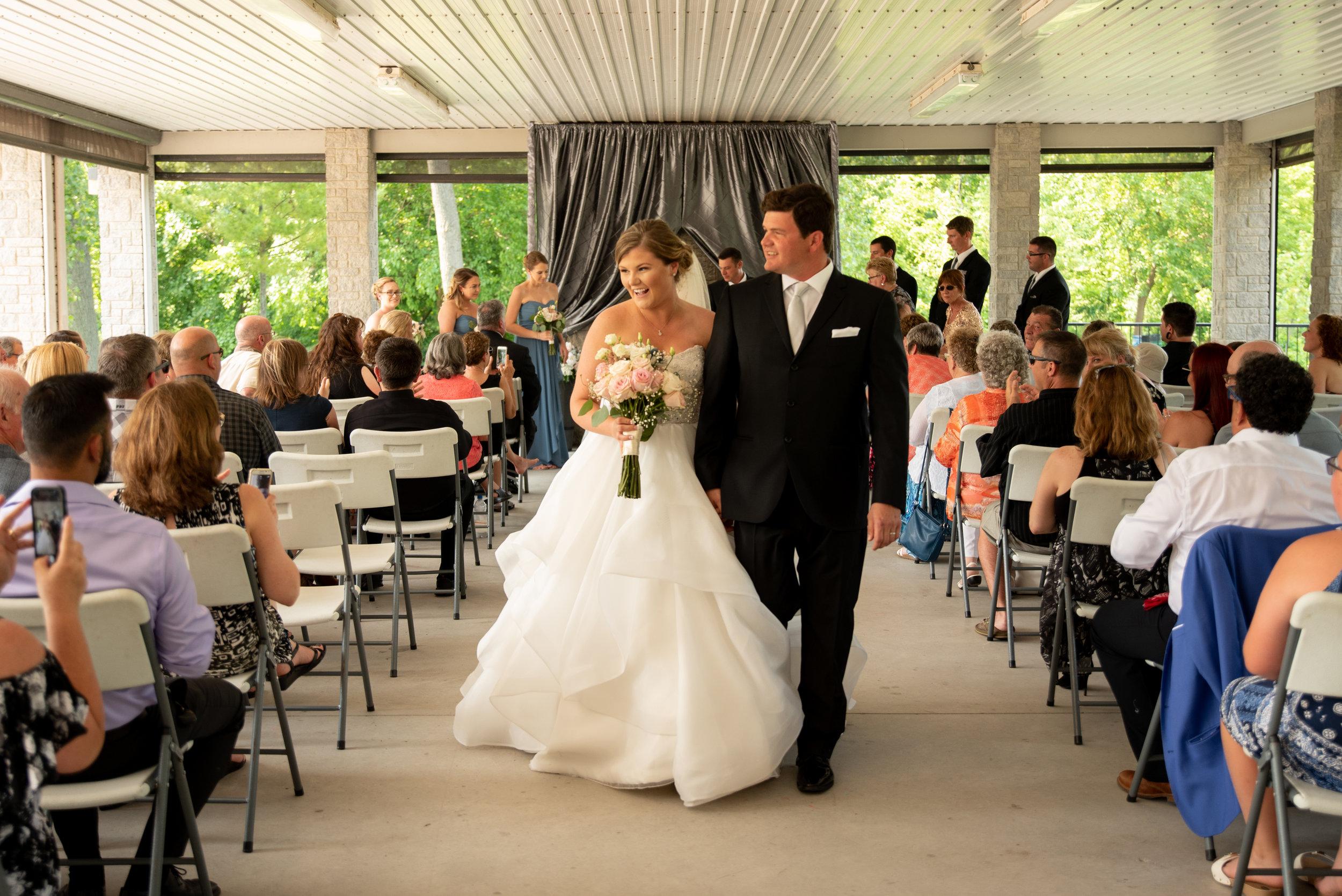 Summer wedding photographer Soundslikeyellowphotography