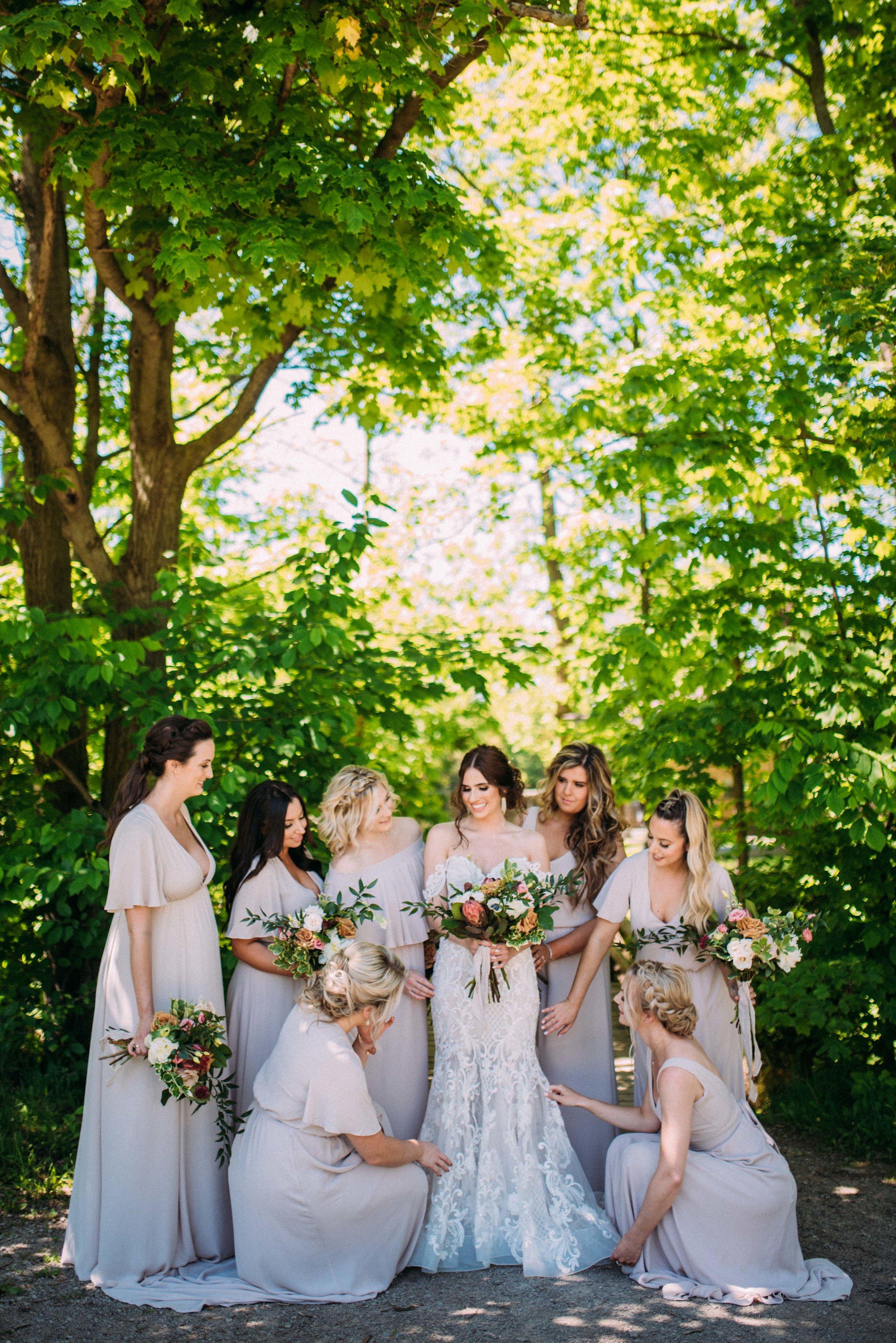 Hamilton wedding photographer, Balls Falls wedding photography with Soundslikeyellowphotography. Bridesmaids.