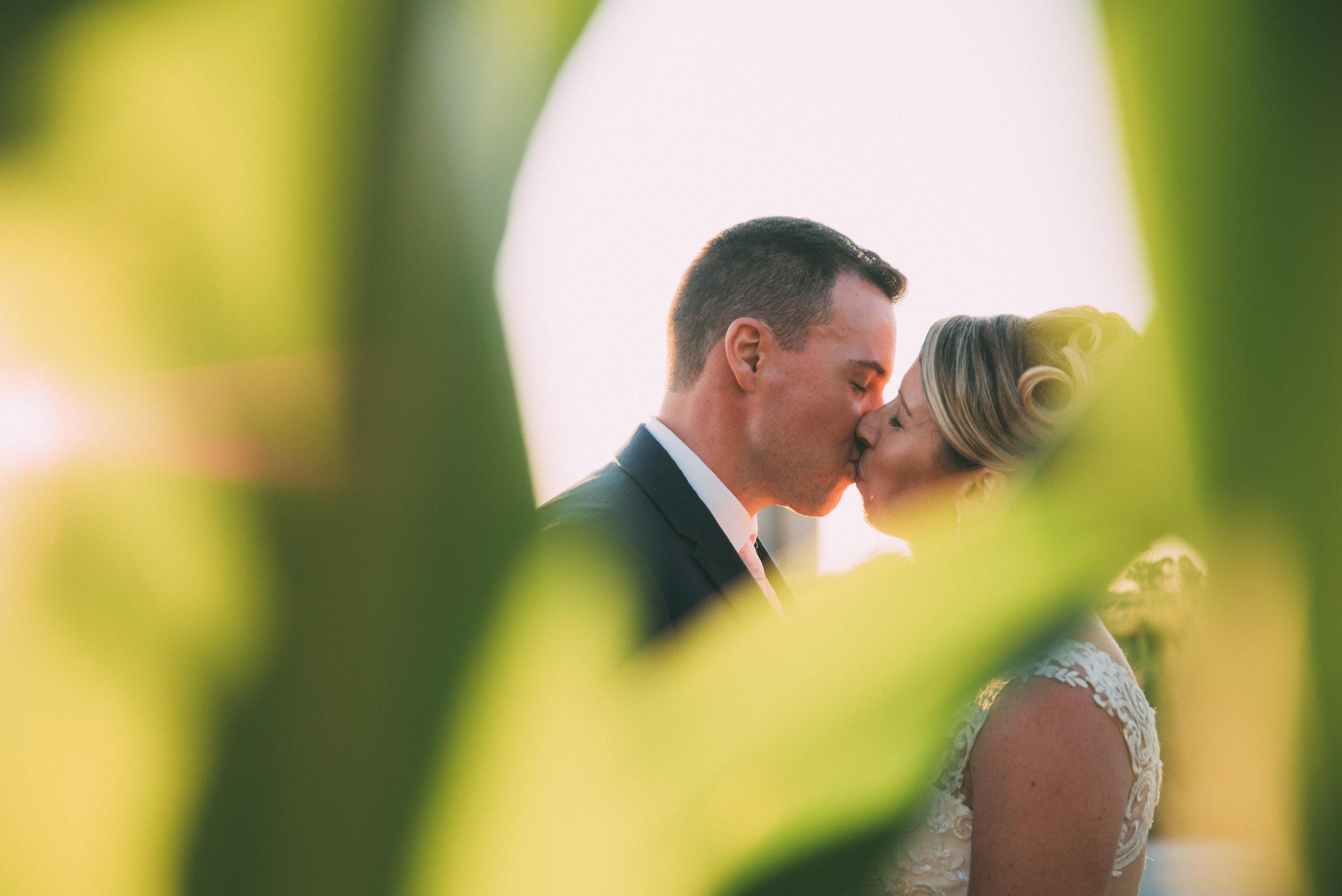 Backyard wedding in Milton Ontario with Soundslikeyellowphotography