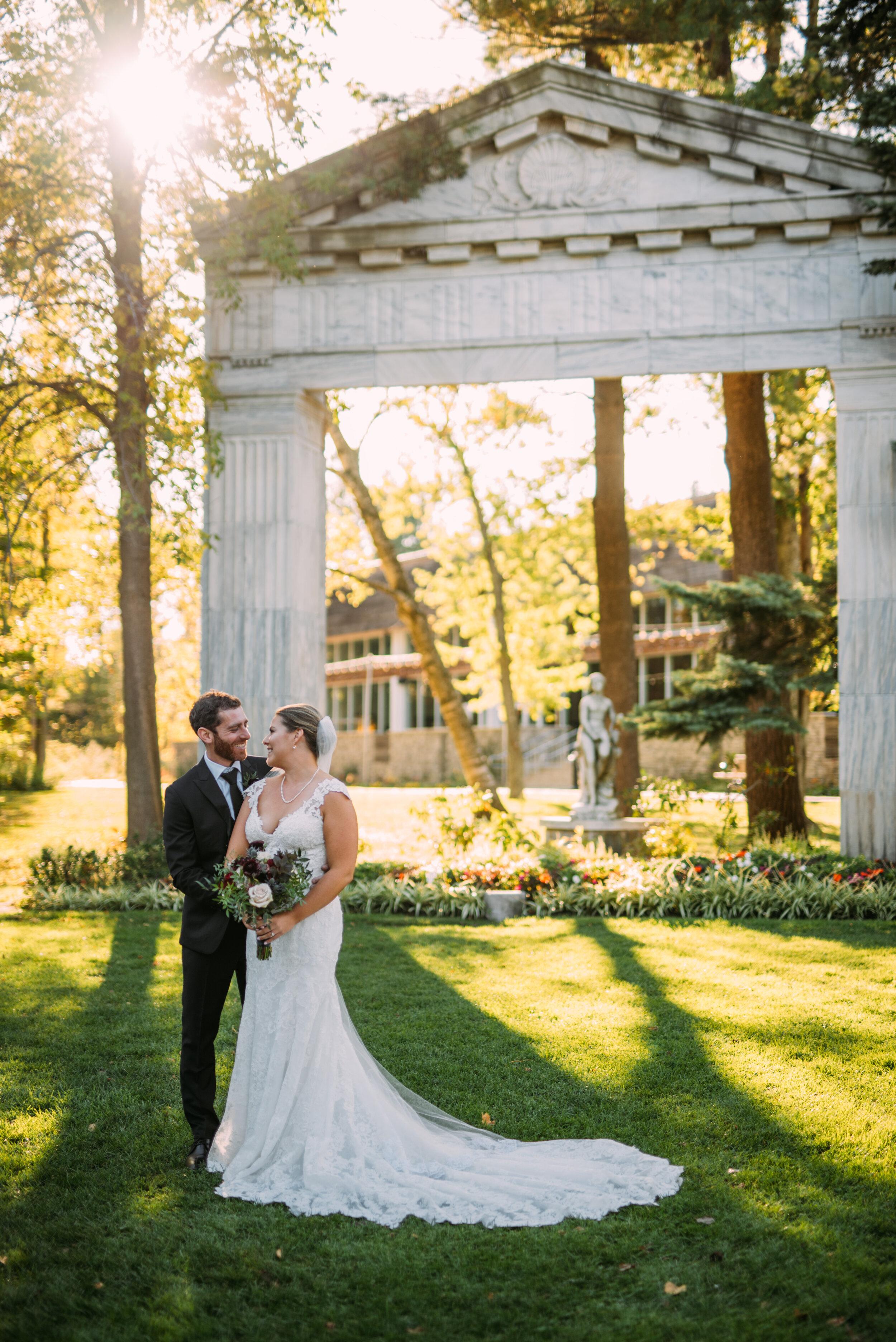 Guildwood Inn Wedding with Soundslikeyellowphotography