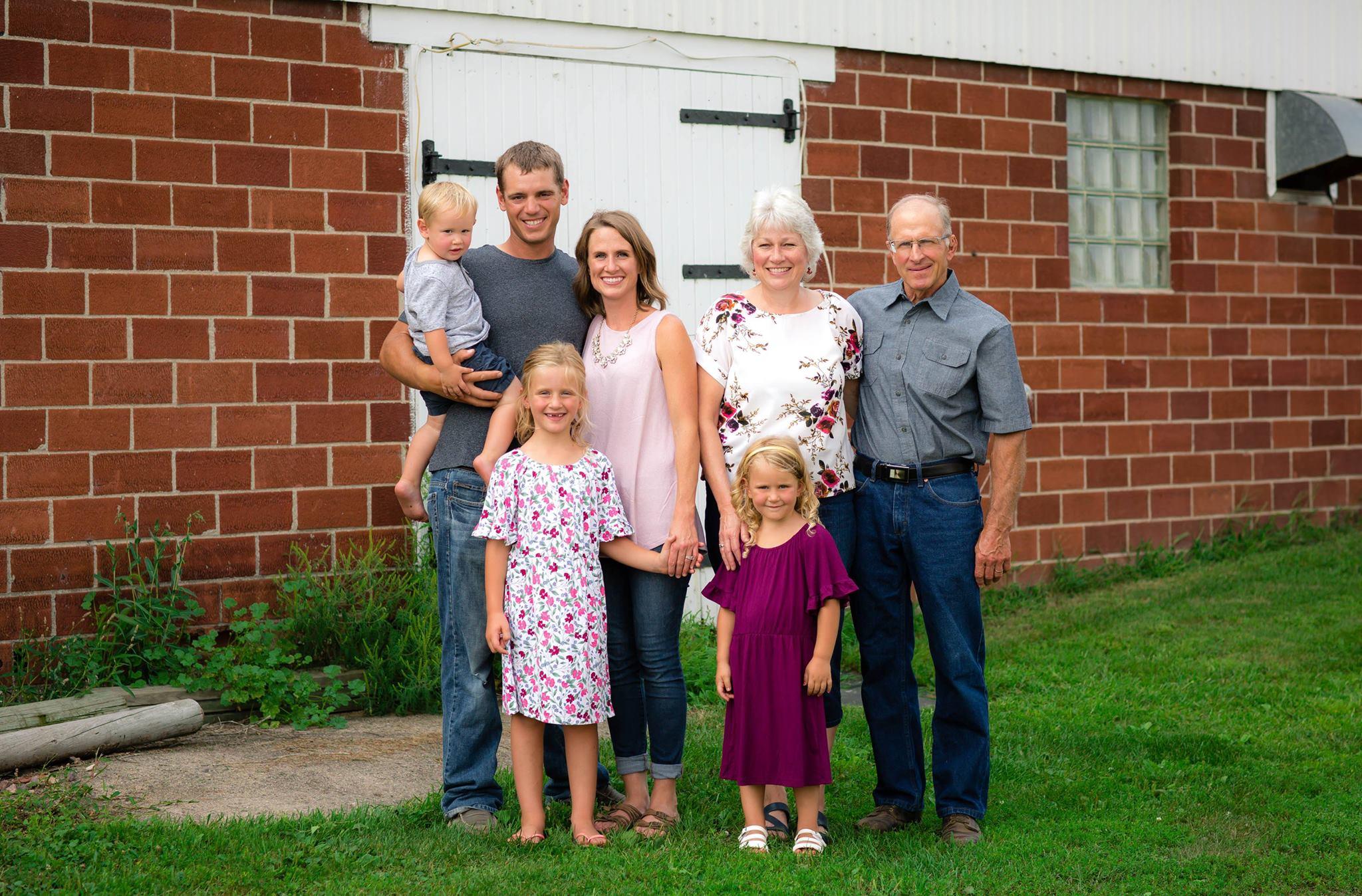 barn family 2.jpg