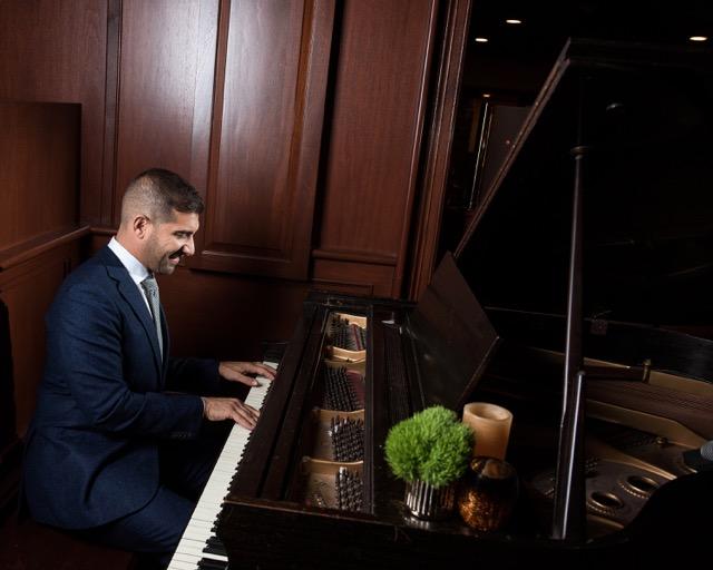 Piano Player At Giumarellos