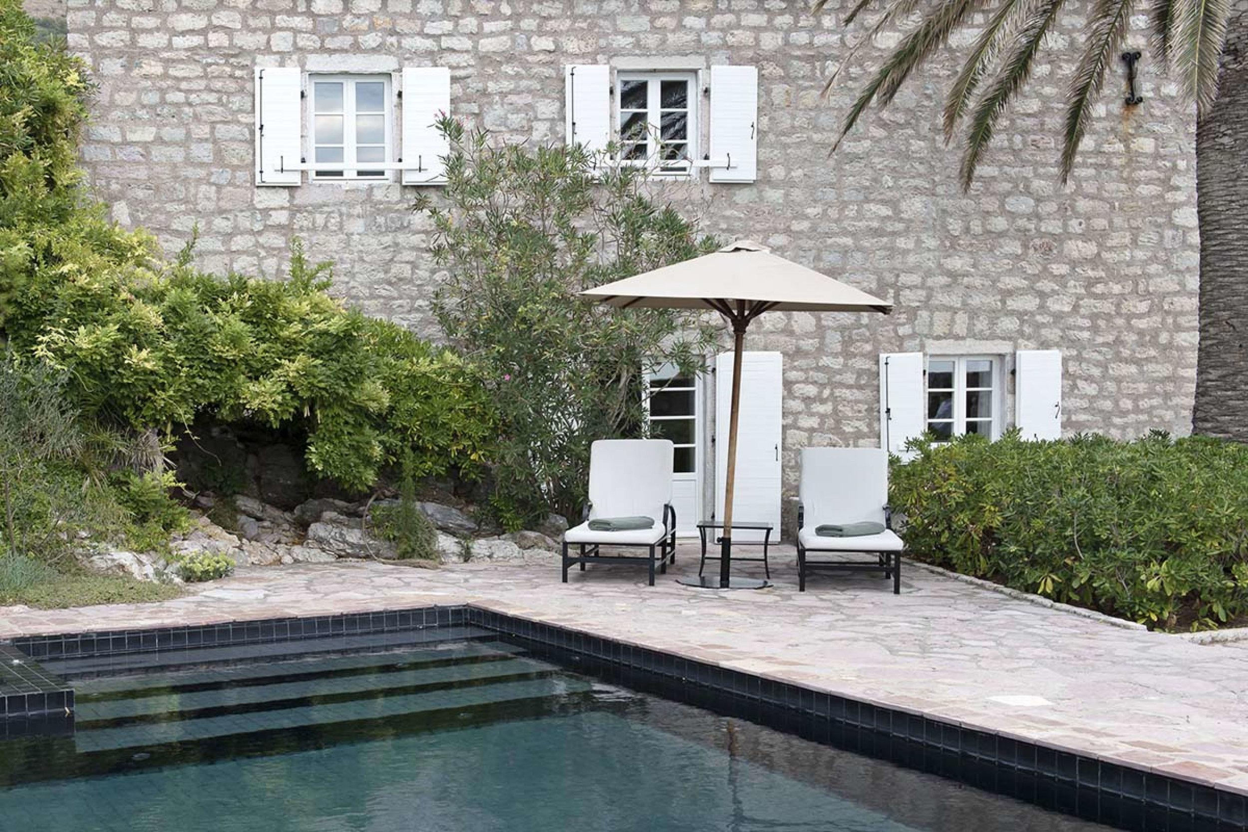 sveti_stefan_suite_pool_and_terrace_high_res_2445.jpg