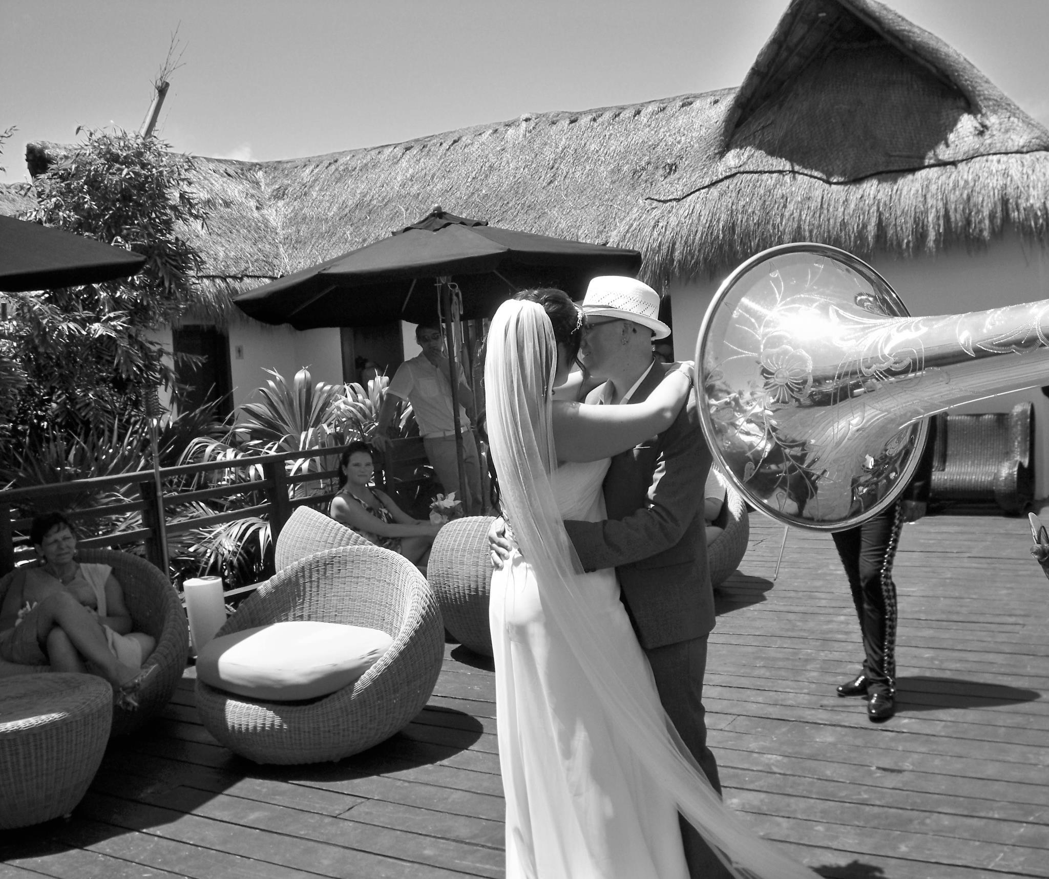 Mariachi-Tulum-horn.jpg