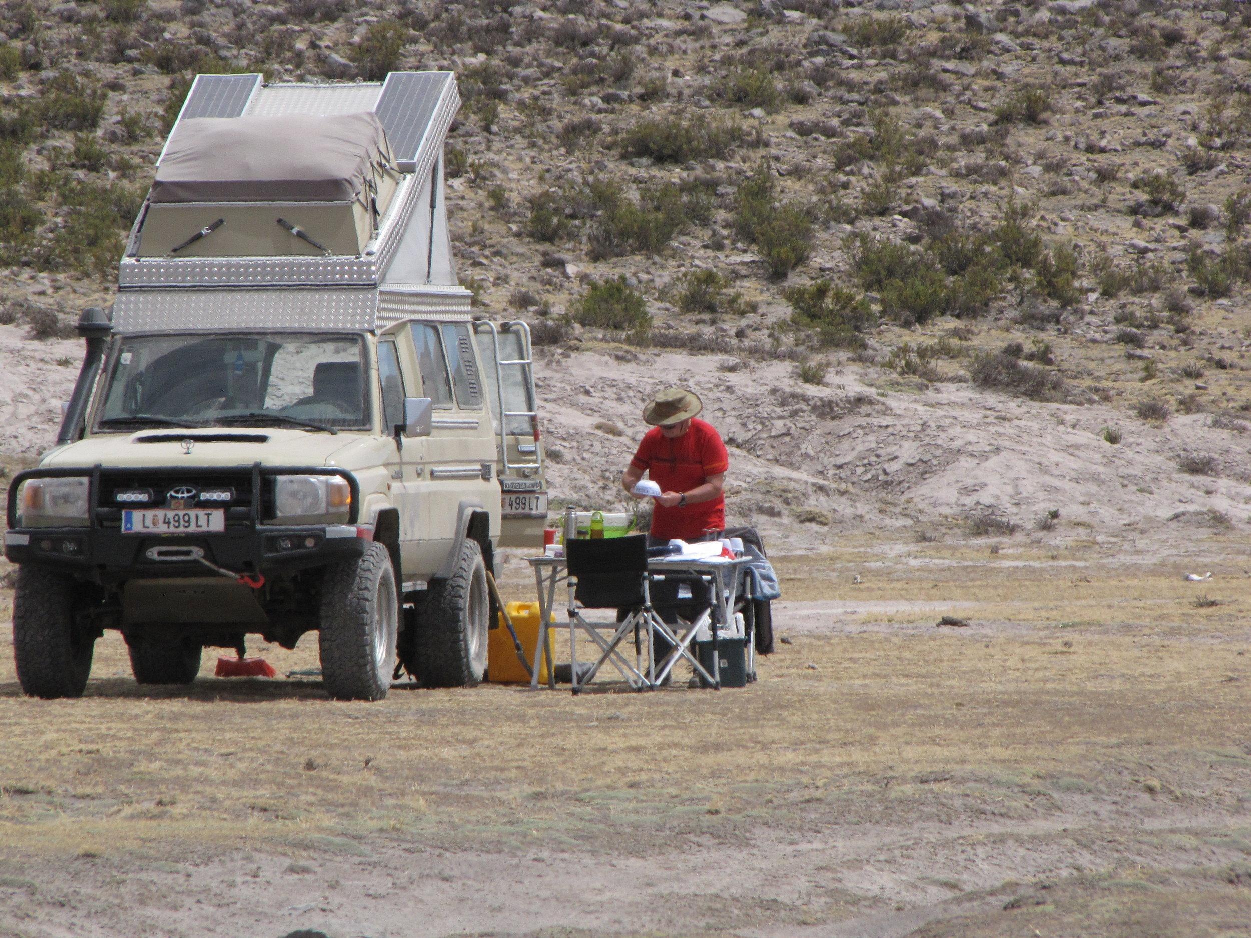 Breakfeast at 5,000 m in southern Peru