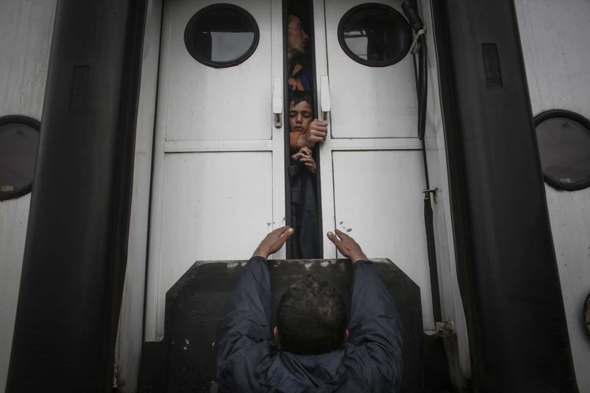 01_Migrants_low_website_.jpg