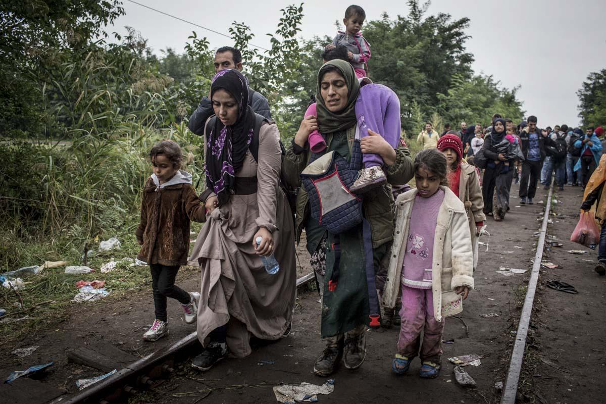 08_Migrants_low_website_.jpg