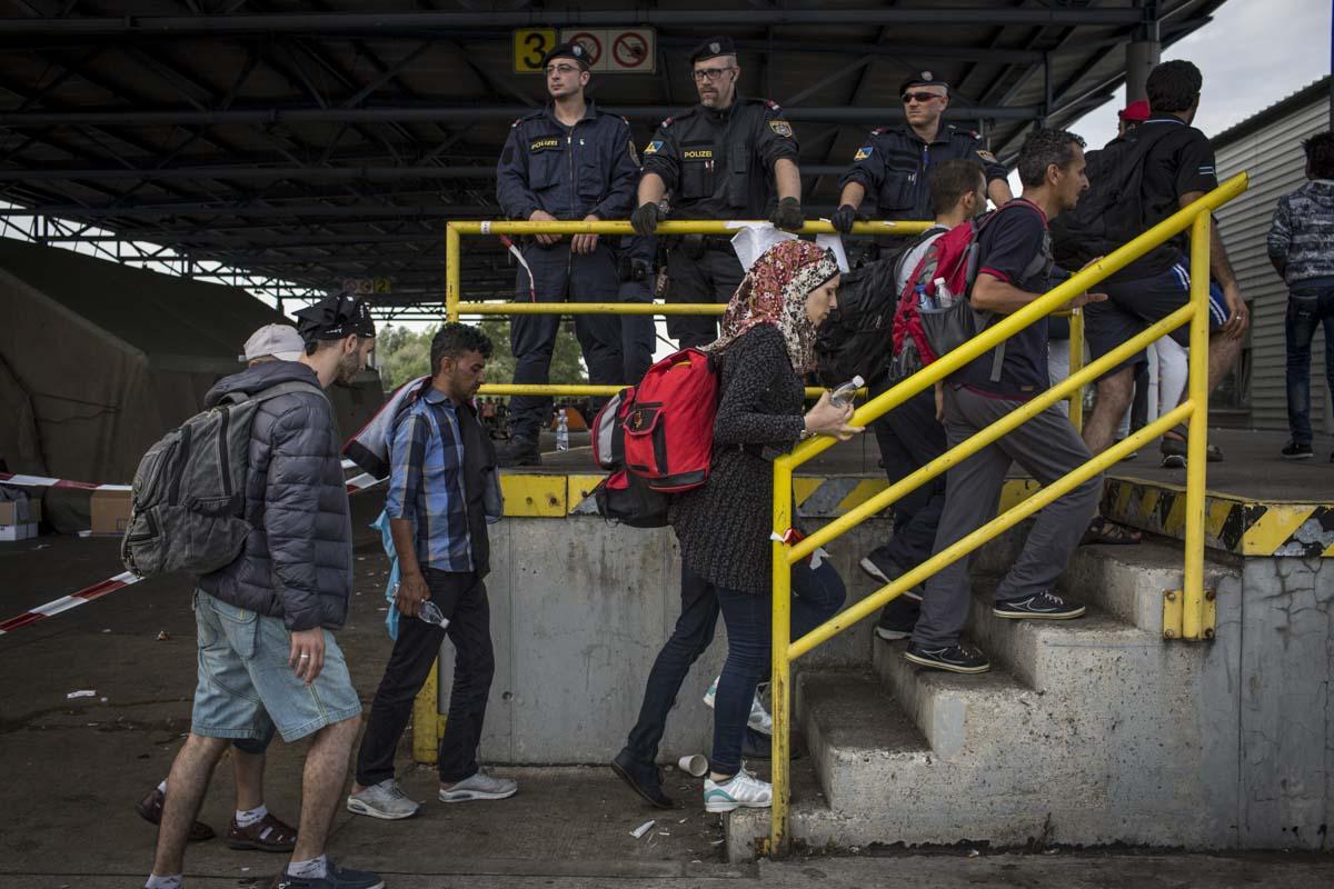39_Migrants_low_website_.jpg