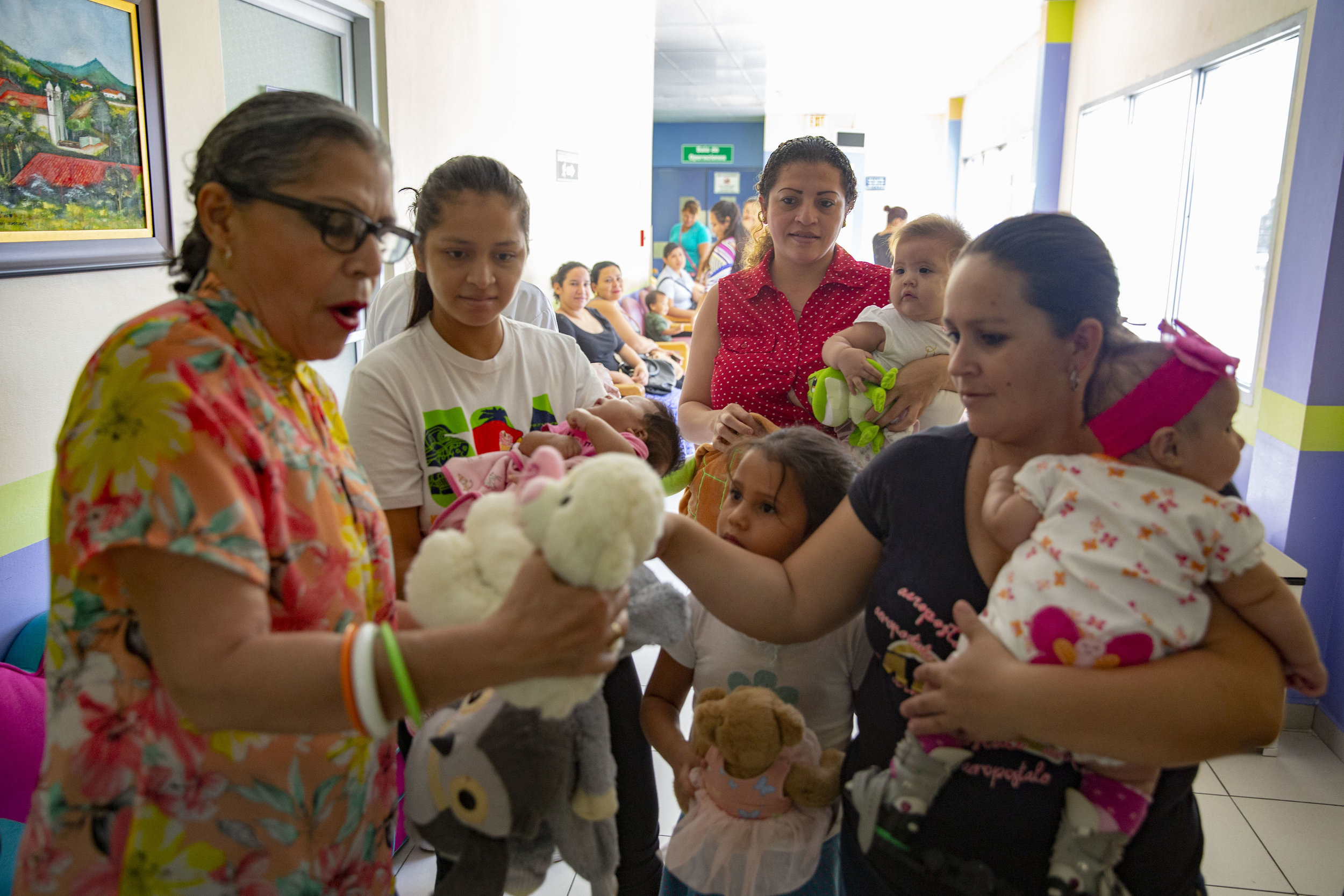 Amanda Restrepo, who has been working at the Ruth Paz hospital in San Pedro Sula since it opened, sell for few lempiras stuffed animals to the mothers waiting. It is a way for them to raise a little bit of extra funds.