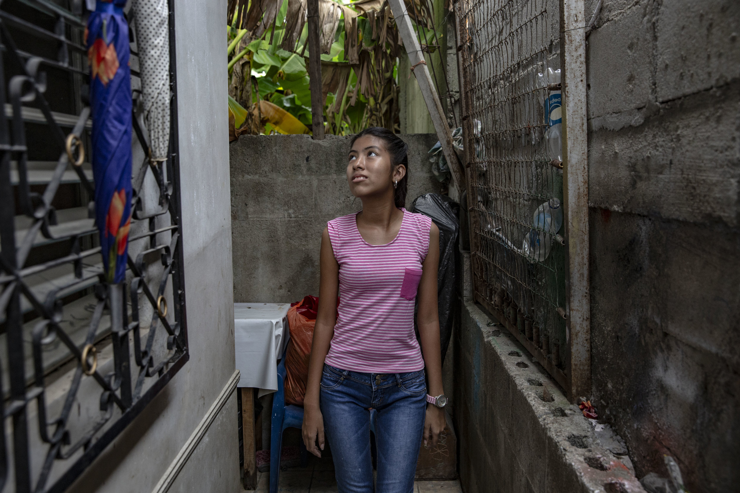 Jeymi Victoria Ortis, 14, operated for scoliosis. Before landing at the Ruth Paz her mother took her to various public clinics, but they couldn't help her. Ruth Paz covered a small symbolic sum for the surgical operation, but even so, it took her family one year to collect all the money to get her the operation.