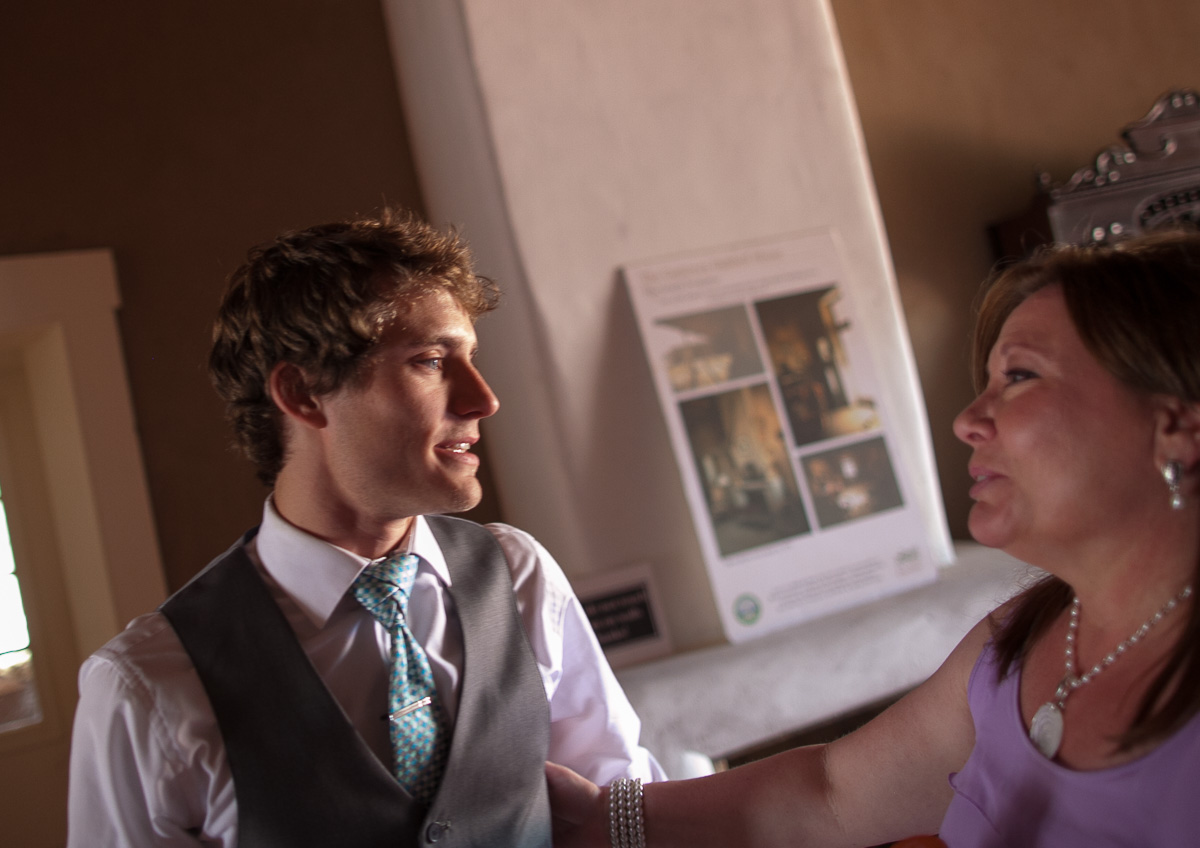 Kyle and mom have a serious moment before the wedding ceremony