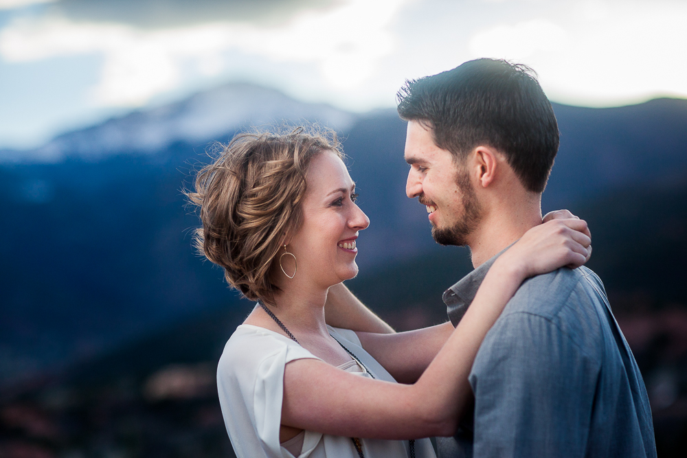 Click to see photos from Rob & Mollies engagement session at Garden of the Gods