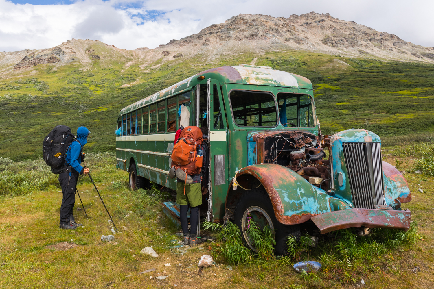 Healy Creek Bus (not the Stampede Trail Bus)
