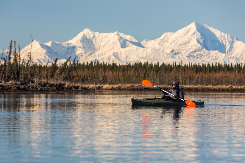 Kayaking Clearwater River WIth Alaska Range 3