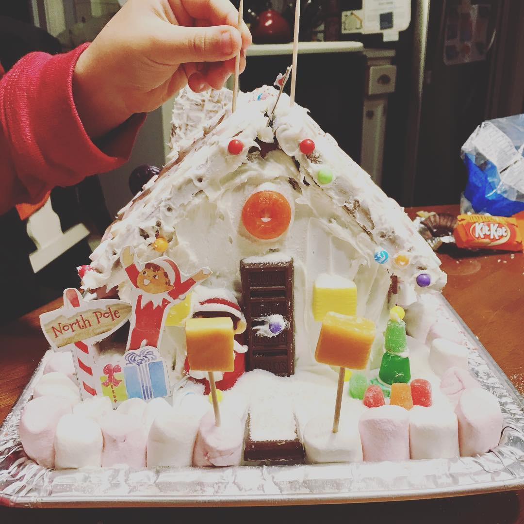 2018 gingerbreadf house.jpg